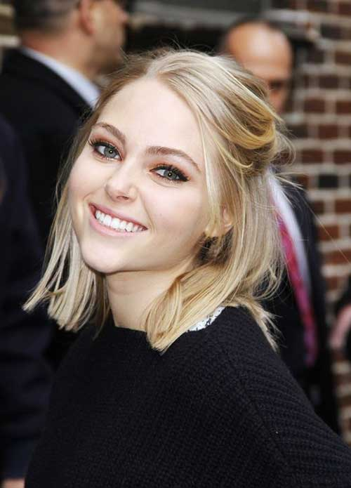 Anna Sophia Robb Medium Bob Hairstyles with Bobby Pin