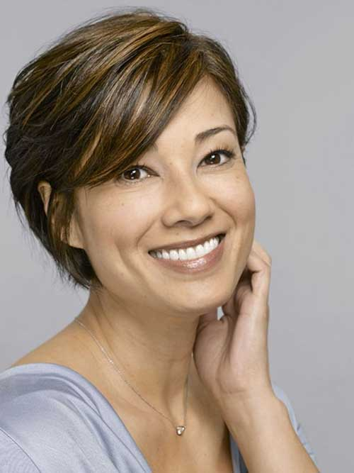 Short Haircuts For Women From All Age Groups