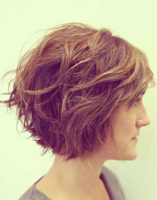 Short Layered Haircuts with Wavy Hair