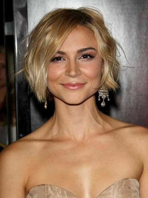 Short Blonde Wavy Bob Hairdoes