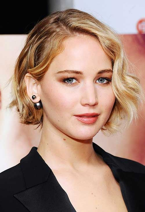 Jennifer Lawrence Attractive Bob Hair with Side Apart