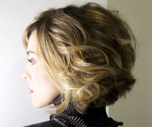 Short Loose Curly Bob Hairstyles