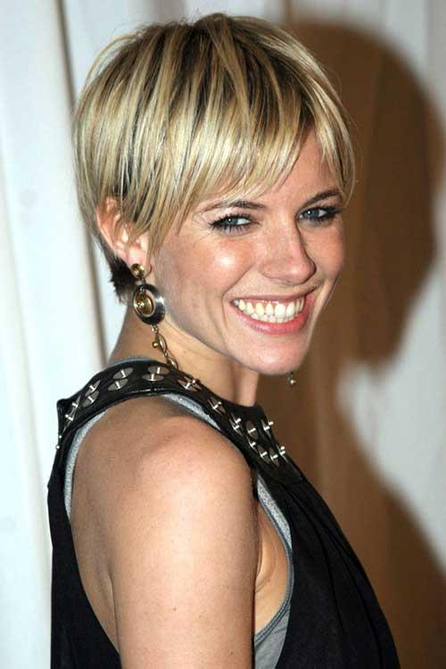 Sienna Miller Staight Short Hairstyle with Highlights