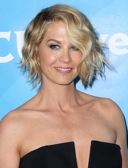 Jenna Elfman Trend Short Wavy Haircuts