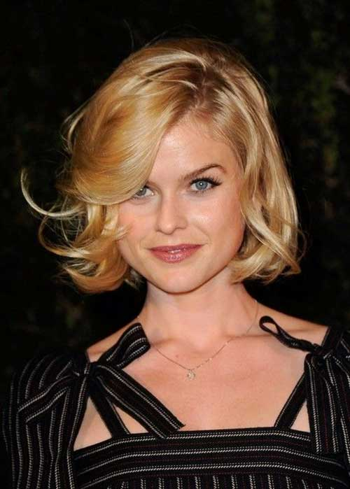 Short Wavy Bob Hairstyles with Bangs