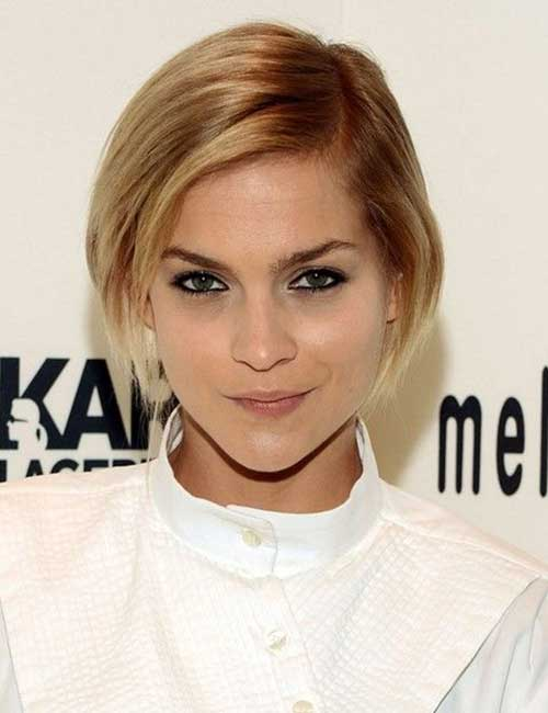 Pretty Short Straight Bob Hairstyle