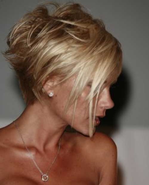 Short Voluminous Blonde Straight Hairstyle