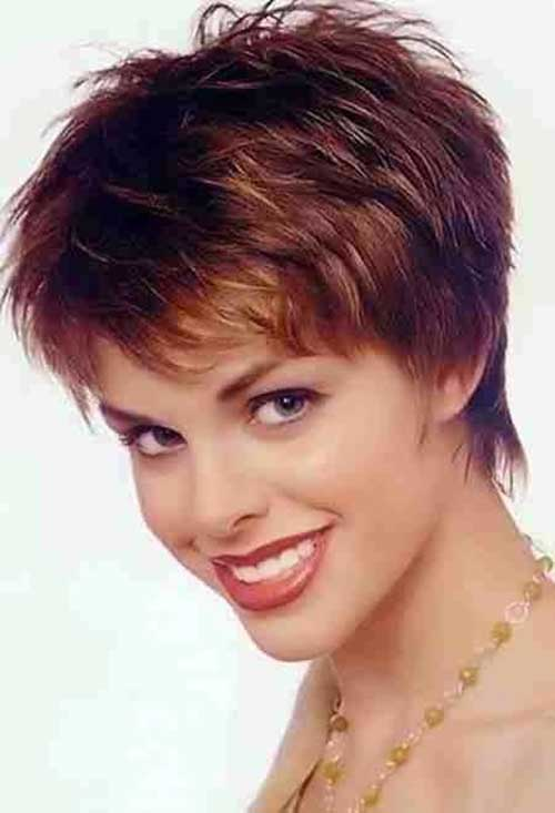 Trendy Attractive Pixie Cut Hairstyle