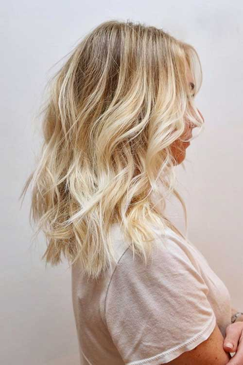 Beach Blonde Wavy Hairstyles