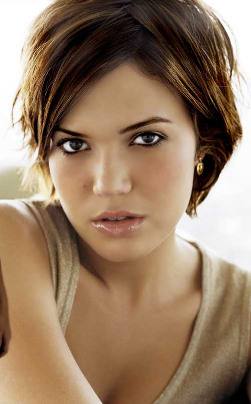 Mandy Moore Best Pixie Cuts for Round Faces