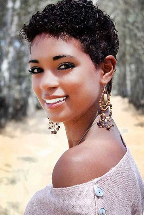Short Hairstyles with Curls for Black Women