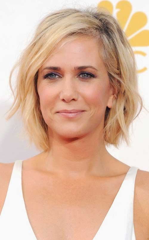 Kristen Wiig Side Part Short Blonde Hair 2015