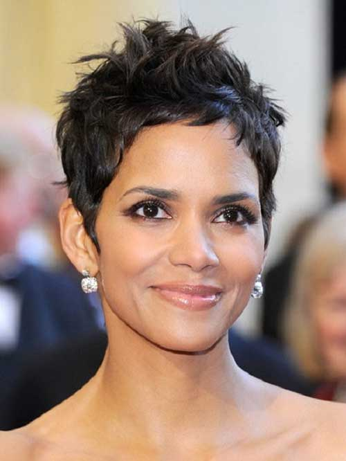 Halle Berry Layered Cute Short Hairstyles