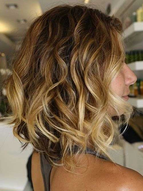 Wavy Bob Hair with Blonde Ombre Color