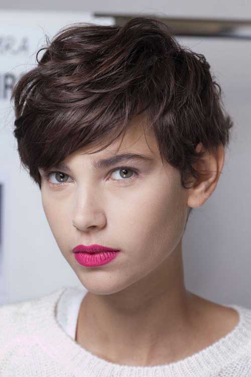 Thick Bangs Wavy Hairstyles for Girls