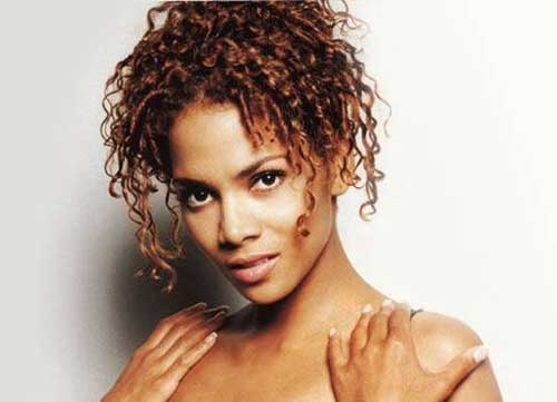 Halle Berry Cute Hairstyles for Short Natural Hair