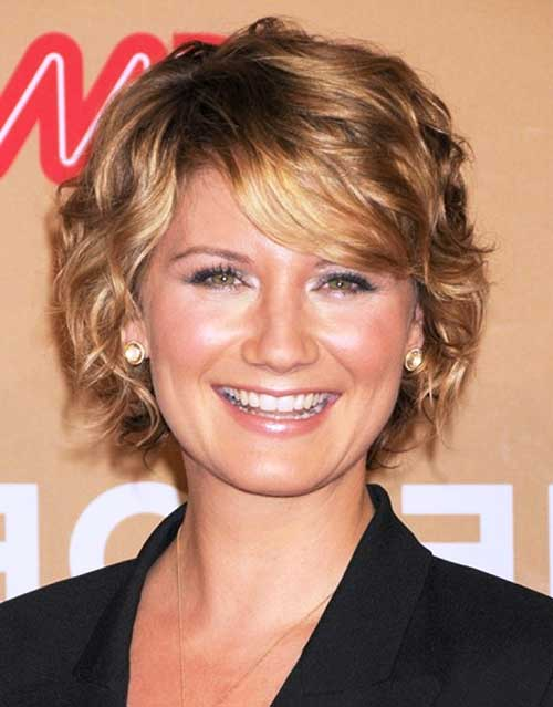 Curly Pixie Hair Idea for Women Over 40