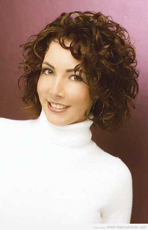 Easy Short Curly Hairstyles for Women Over 40