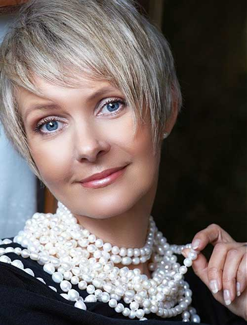 Short Pixie Hair Styles for Women Over 40