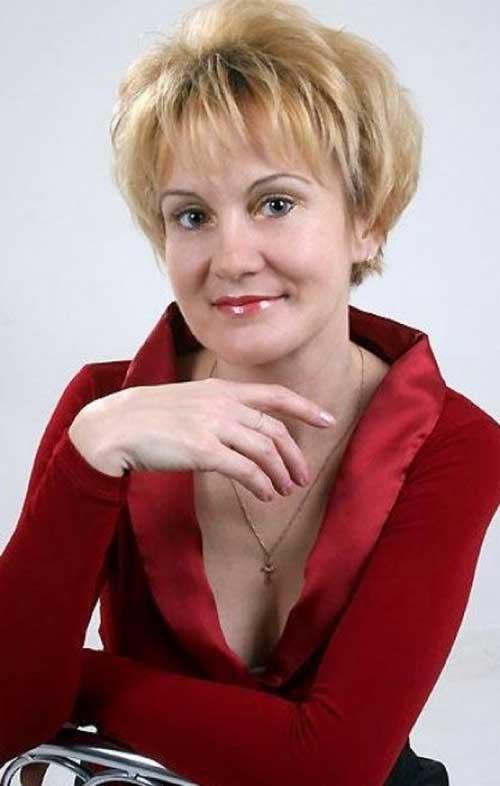 Short Layered Hair for Women Over 60