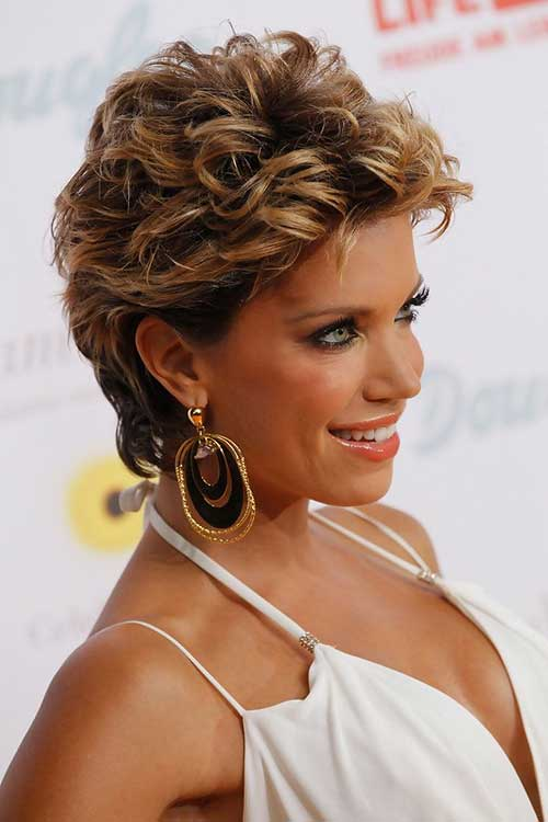 Short Pixie Styles for Curly Hairstyles