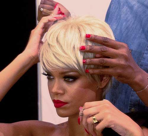 Pixie Cut Rihanna