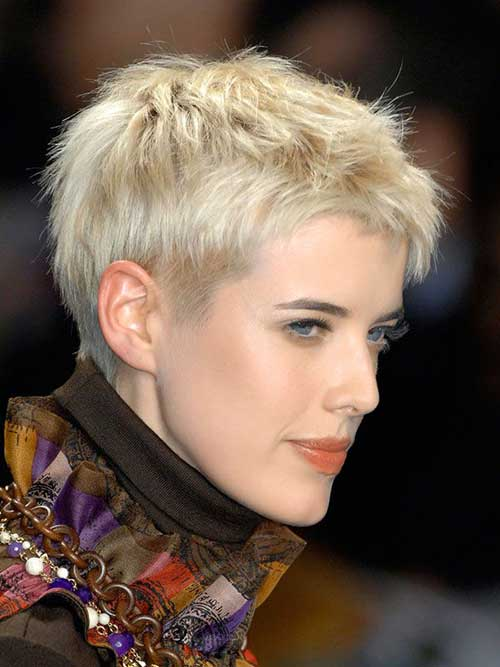 Celebrities with Pixie Cuts-6