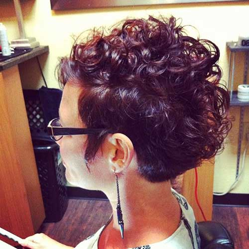 Cute Short Curly Hairstyles-9