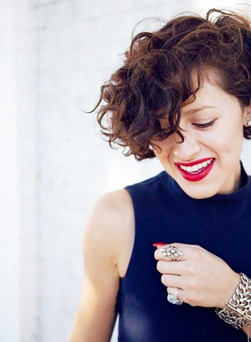 Short Hairstyles for Curly Hair-19