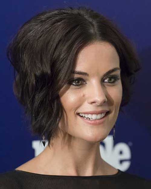Hairstyles for Short Wavy Hair-10