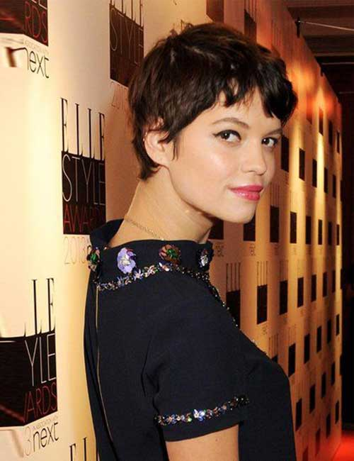 Hairstyles for Short Wavy Hair-17