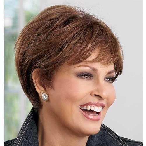 Short Hair Styles for Women Over 60-10