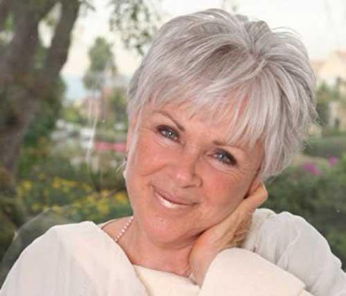 Short Hair Styles for Women Over 60-13