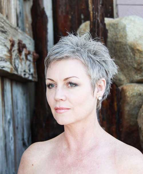 Short Hair for Over 50-15