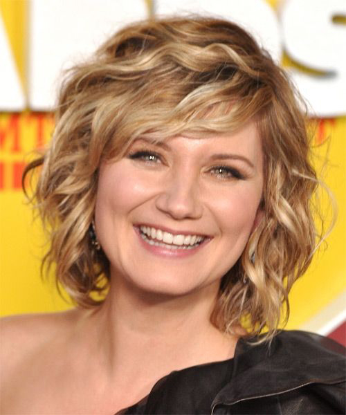 Short Haircuts for Thick Wavy Hair-11