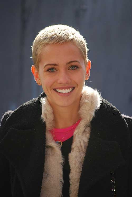 Short Hair Cuts for Women-13