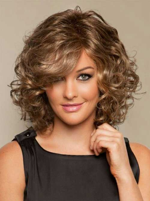 Hairstyles for Short Curly Hair-17