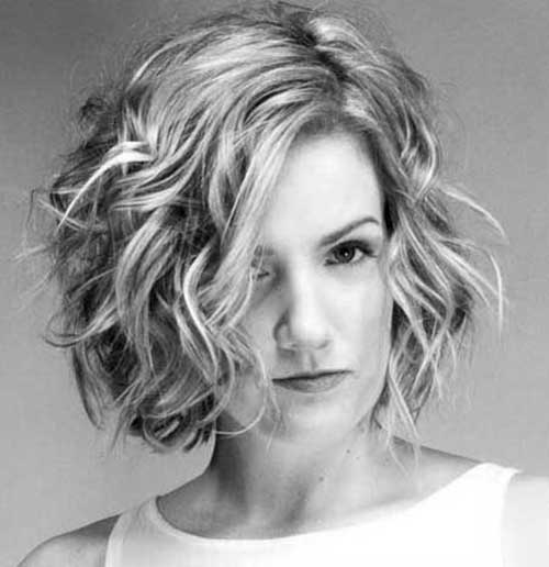 Short Haircuts for Wavy Hair-14