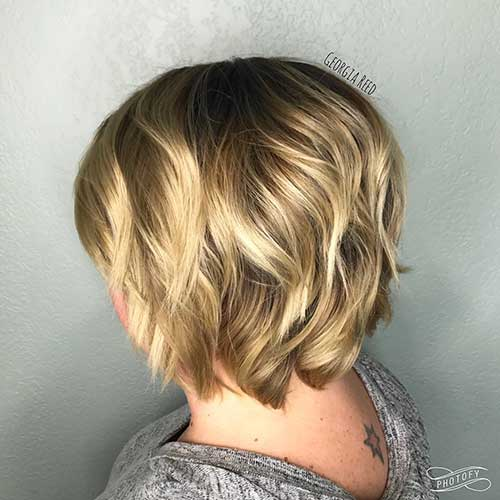 Short Curly Hairstyles for Women - 16