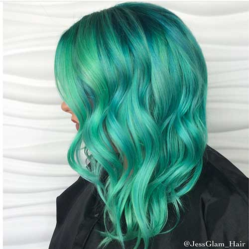 Short Green Hairstyle - 22