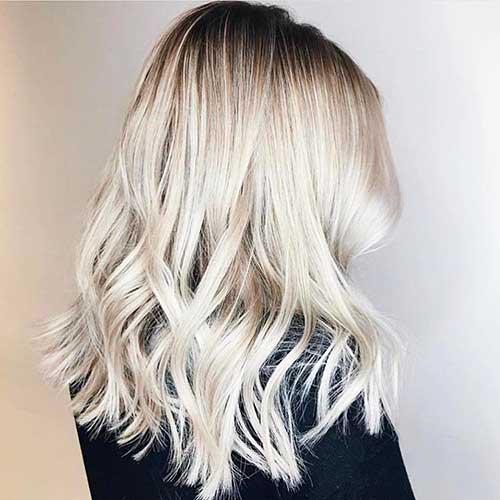 Best Medium Short Haircuts - 25