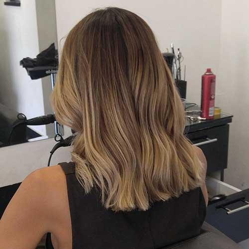 Best Medium Short Haircuts - 9