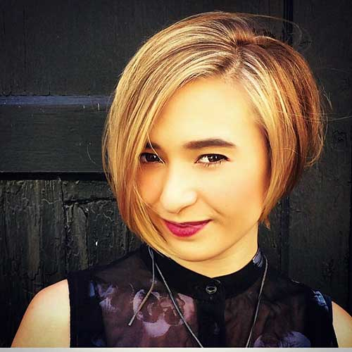 Short Straight Hairstyles - 9