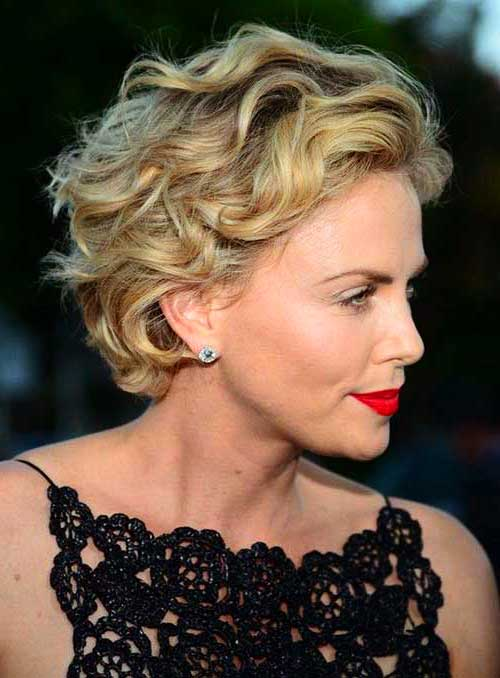 Short Layered Wavy Blonde Hairstyles