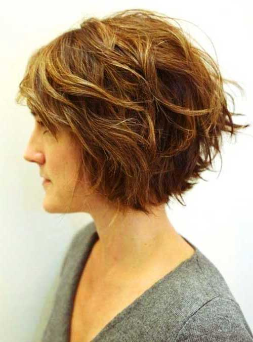 Short Wavy Bob Side View