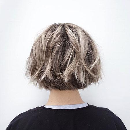 Short Layered Bob Hair