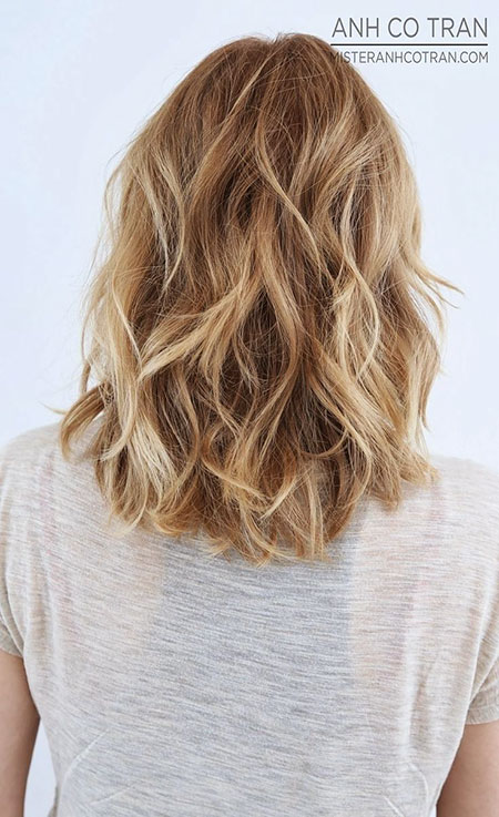 Ombre Length Layered Shoulder Blonde Wavy