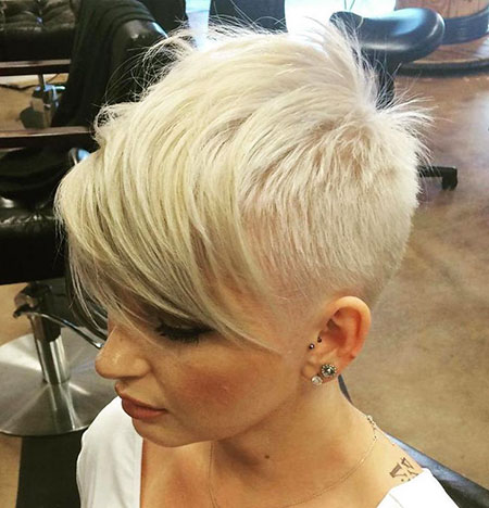 Short Blonde Pixie Hairtyles