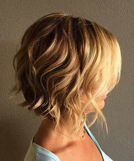 Wavy Bob Blonde Messy