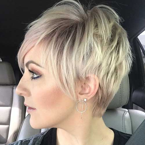 Short Layered Haircuts for Women-11